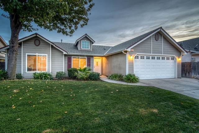 2933 E Christopher Drive, Fresno, CA 93720 (#533598) :: Realty Concepts