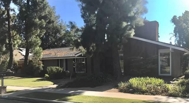 267 E Lisa Avenue, Fresno, CA 93720 (#533749) :: Raymer Realty Group