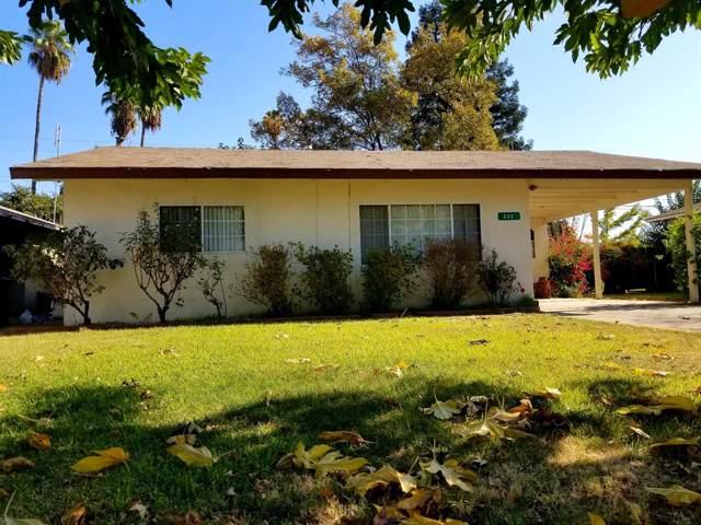 832 Post Street, Sanger, CA 93657 (#534046) :: Dehlan Group
