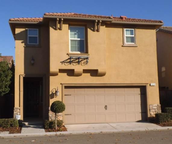 1523 N Strada Way, Clovis, CA 93619 (#534585) :: Your Fresno Realtors | RE/MAX Gold