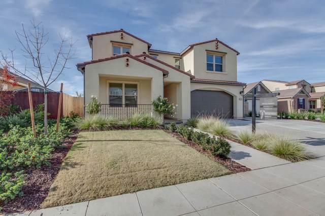 3450 Hermosa Avenue, Clovis, CA 93619 (#534645) :: FresYes Realty