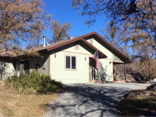 35880 Sage Lane, Squaw Valley, CA 93675 (#535639) :: FresYes Realty