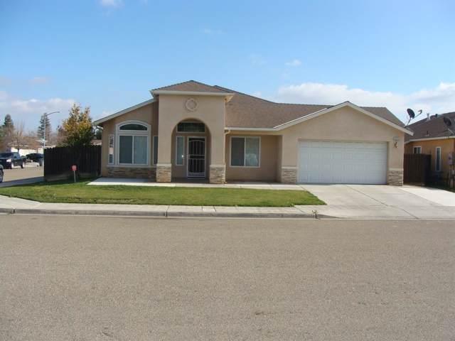 2432 N Mitre Avenue, Fresno, CA 93722 (#536118) :: FresYes Realty