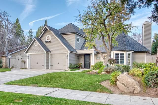 846 E Foxhill Drive, Fresno, CA 93720 (#536179) :: FresYes Realty