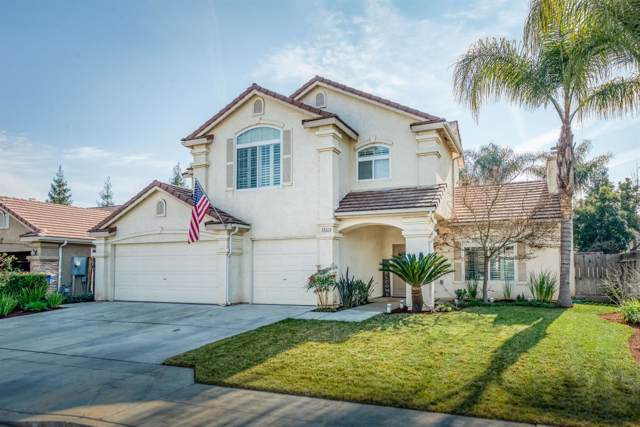 2927 E Solar Avenue, Fresno, CA 93720 (#536302) :: FresYes Realty