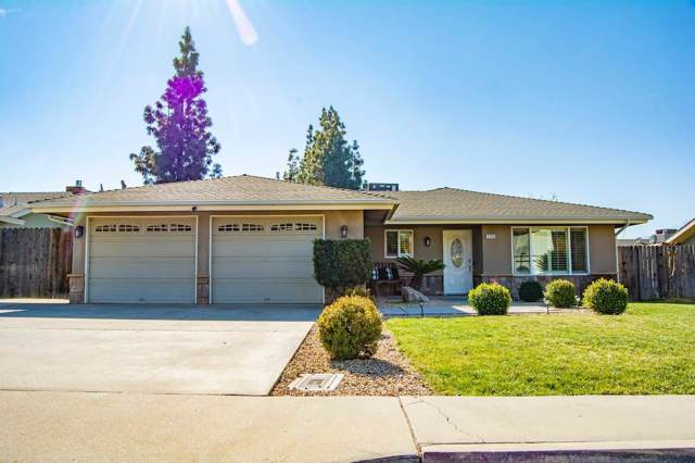 1259 W Eymann Avenue, Reedley, CA 93654 (#537039) :: Twiss Realty