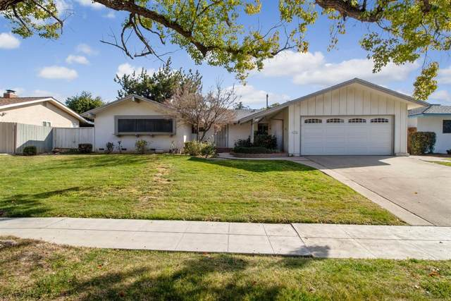 4758 N Ila Avenue, Fresno, CA 93705 (#537226) :: Twiss Realty