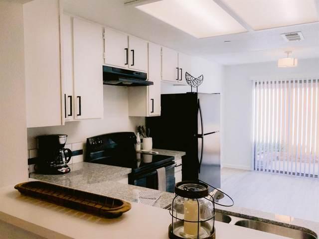 4975 E Butler Avenue #135, Fresno, CA 93727 (#537367) :: FresYes Realty