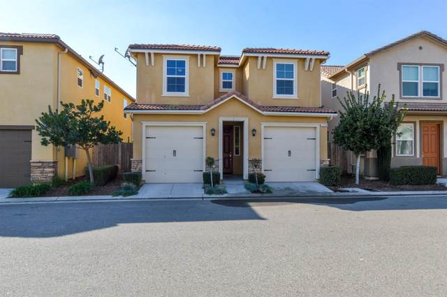 1516 N Piccadilly Lane, Clovis, CA 93619 (#537712) :: Raymer Realty Group