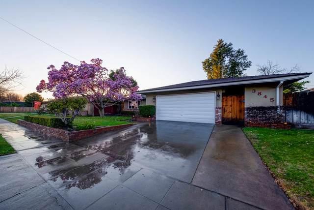 3845 N Tollhouse Road, Fresno, CA 93726 (#537743) :: FresYes Realty