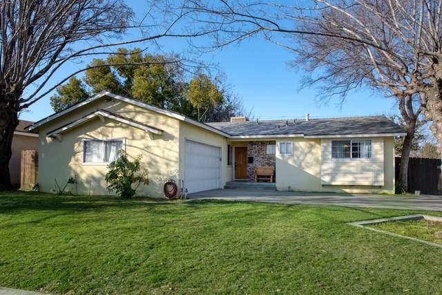 4863 E Normal Avenue, Fresno, CA 93703 (#537807) :: Dehlan Group