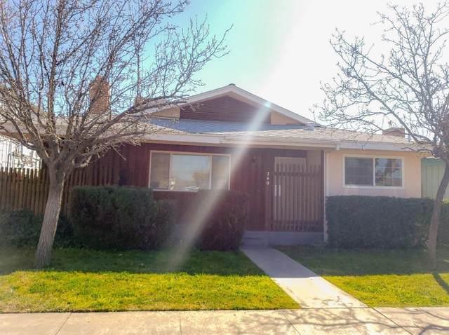 240 E Cedar Avenue, Coalinga, CA 93210 (#537837) :: Dehlan Group