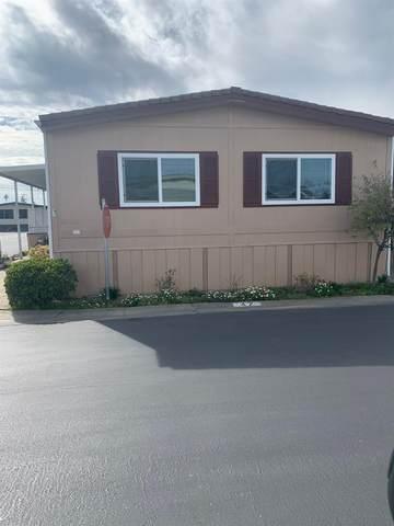 1001 N Sylmar Avenue Spc 4, Clovis, CA 93612 (#537880) :: Realty Concepts