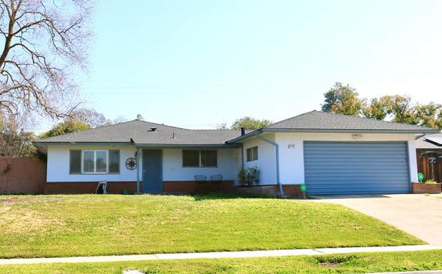 4786 N Bengston Avenue, Fresno, CA 93705 (#537989) :: Realty Concepts
