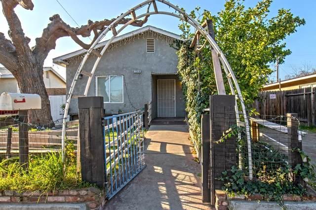 2248 E Webster Avenue, Fresno, CA 93701 (#538217) :: FresYes Realty