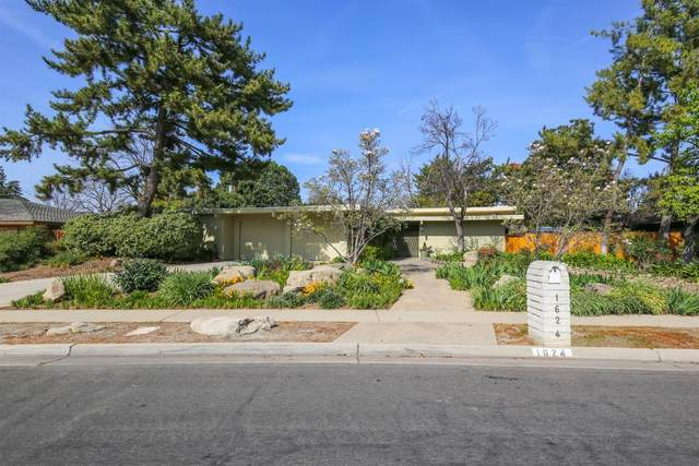 1624 W Stuart Avenue, Fresno, CA 93711 (#538306) :: FresYes Realty