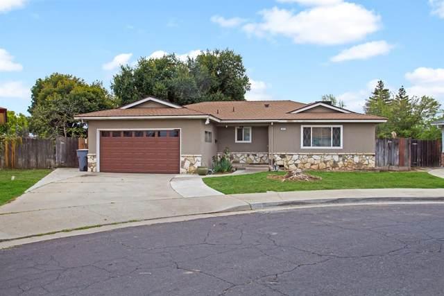 952 W Pico Avenue, Clovis, CA 93612 (#538598) :: FresYes Realty