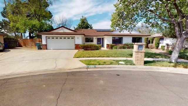 4353 N Hacienda Drive, Fresno, CA 93705 (#538925) :: FresYes Realty