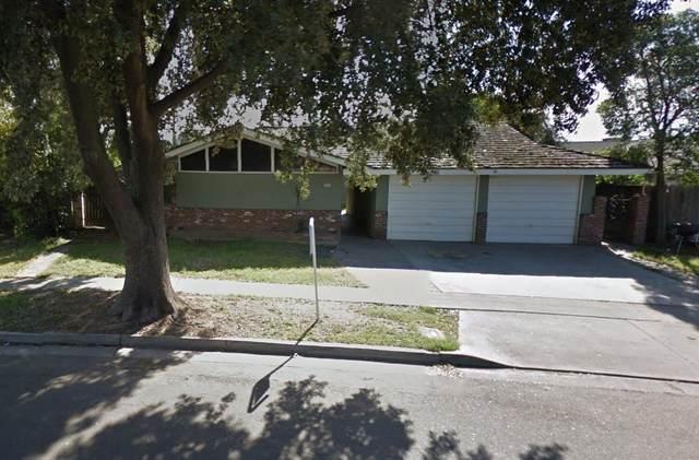 2915-2917 N Pleasant Avenue, Fresno, CA 93705 (#539301) :: FresYes Realty