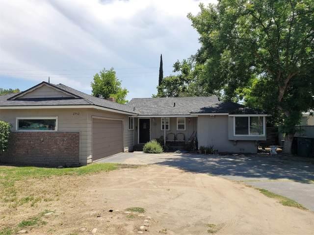 2952 E Dakota Avenue, Fresno, CA 93726 (#539409) :: FresYes Realty
