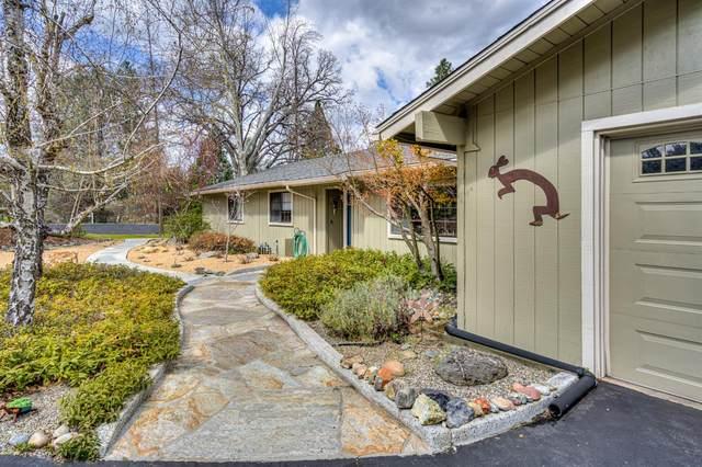 49505 Meadowwood Road, Oakhurst, CA 93644 (#539539) :: FresYes Realty