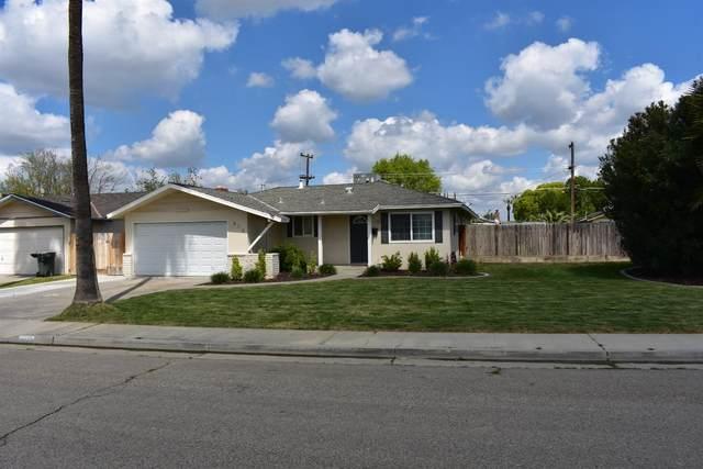 312 W Burlwood Lane, Lemoore, CA 93245 (#539749) :: FresYes Realty