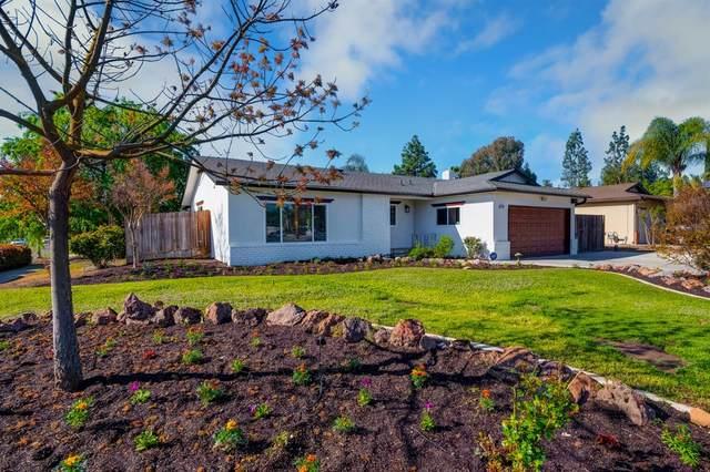 3459 W Bullard Avenue, Fresno, CA 93711 (#539874) :: FresYes Realty