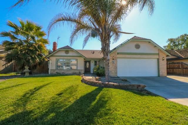 807 Tony Drive, Hanford, CA 93230 (#539915) :: Raymer Realty Group