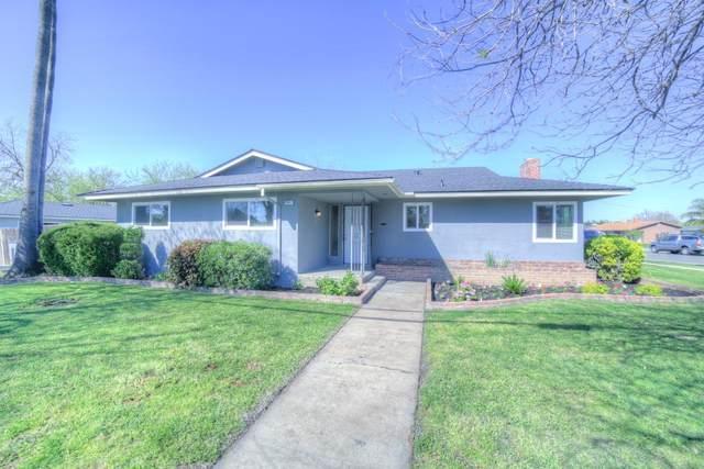 3631 N Marks Avenue, Fresno, CA 93722 (#539968) :: FresYes Realty