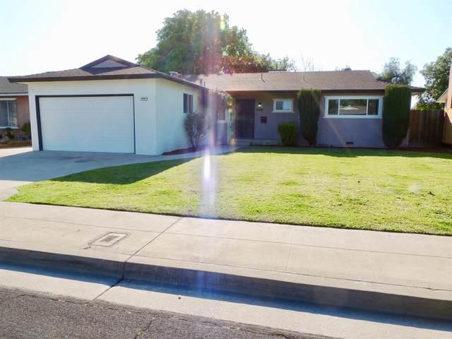 2886 Bush Avenue, Clovis, CA 93612 (#539970) :: FresYes Realty