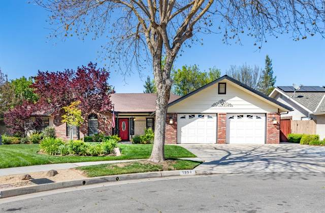 1352 W Palo Alto, Fresno, CA 93711 (#539974) :: FresYes Realty
