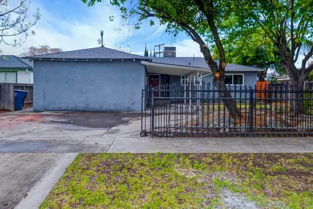 2218 E Santa Anna Avenue, Fresno, CA 93726 (#540062) :: Your Fresno Realty | RE/MAX Gold