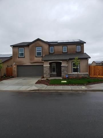 5574 W Saginaw Way, Fresno, CA 93722 (#540160) :: Twiss Realty