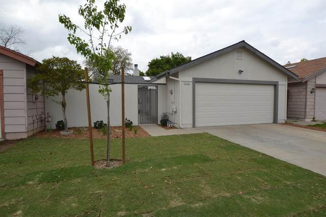 2755 N Selland Avenue, Fresno, CA 93722 (#540161) :: Your Fresno Realty | RE/MAX Gold