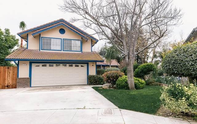 7722 N Spalding Avenue, Fresno, CA 93720 (#540302) :: Dehlan Group