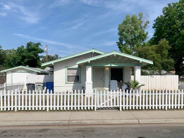 2004 N Fruit, Fresno, CA 93705 (#540566) :: Raymer Realty Group