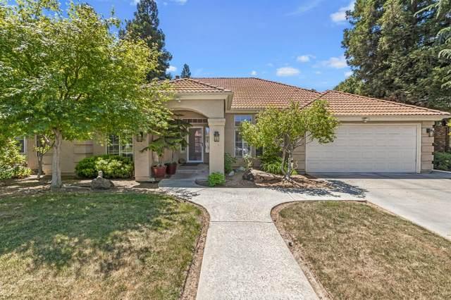 9215 N Stoneridge Lane, Fresno, CA 93720 (#541093) :: FresYes Realty