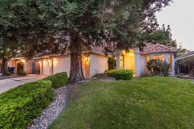8175 N Yorktown Avenue, Fresno, CA 93720 (#541846) :: Raymer Realty Group