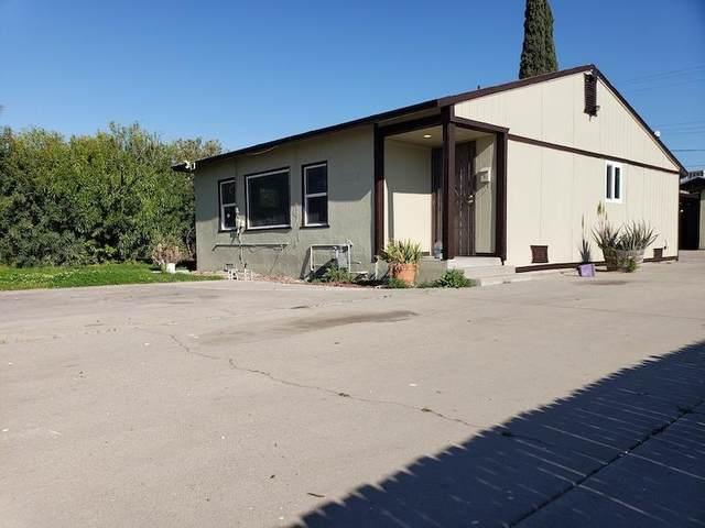 2618 W Shields Avenue, Fresno, CA 93705 (#542011) :: FresYes Realty