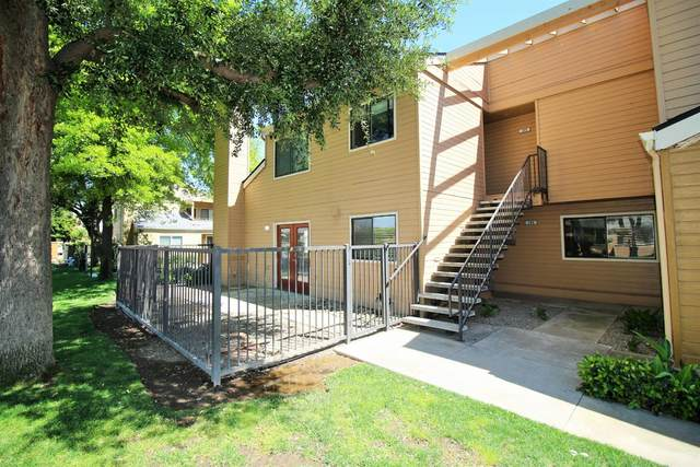 7675 N 1st Street, Fresno, CA 93720 (#542191) :: Raymer Realty Group