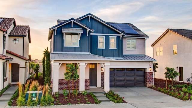 6038 E Brown Avenue, Fresno, CA 93727 (#542272) :: FresYes Realty