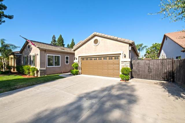 9520 N Matus Avenue, Fresno, CA 93720 (#542291) :: FresYes Realty