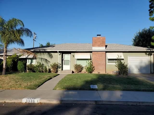 3336 Circle Court W, Fresno, CA 93703 (#542410) :: FresYes Realty