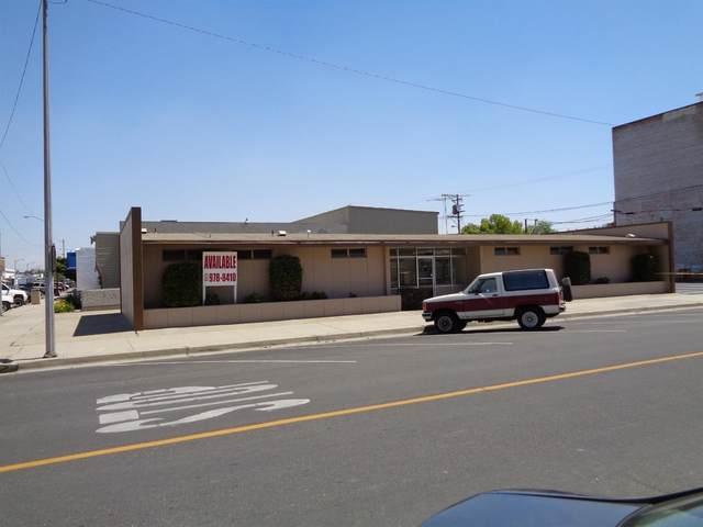 166 E Fresno Street, Dinuba, CA 93618 (#543203) :: Dehlan Group