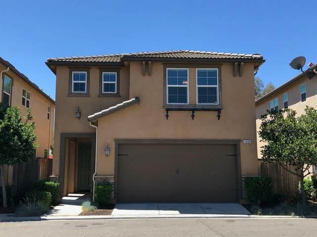 3688 Richmond Avenue, Clovis, CA 93619 (#543377) :: Your Fresno Realty | RE/MAX Gold
