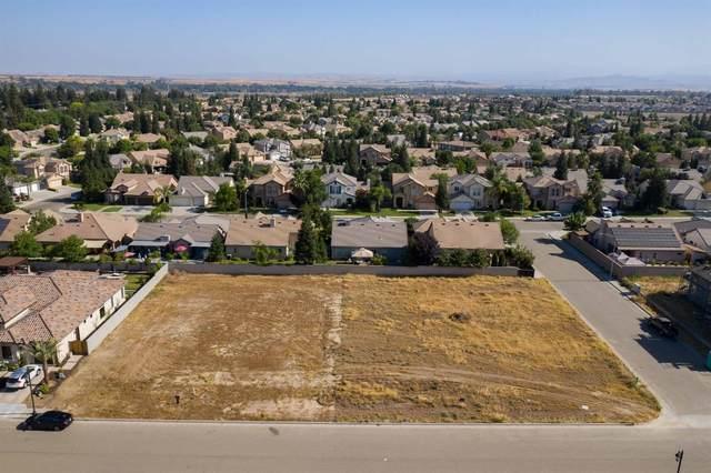 1105 E Turnberry Avenue, Fresno, CA 93730 (#543915) :: Dehlan Group