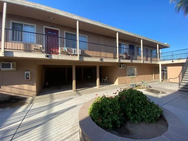 404 S Chestnut Avenue, Fresno, CA 93702 (#544108) :: FresYes Realty