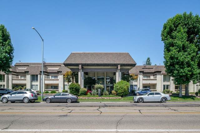 4919 N Millbrook Avenue #121, Fresno, CA 93726 (#544161) :: FresYes Realty