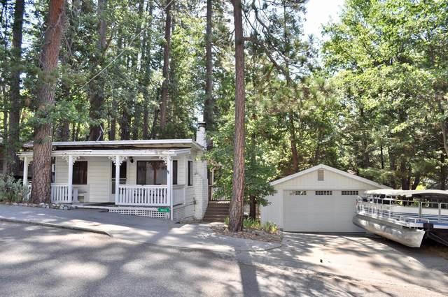 39215 Cedar, Bass Lake, CA 93604 (#544176) :: FresYes Realty