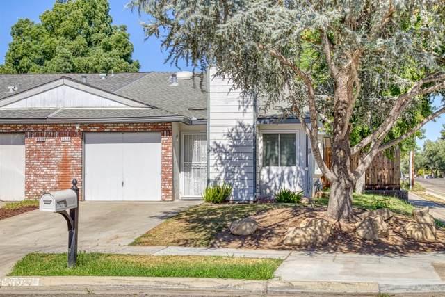 6014 N Marty Avenue, Fresno, CA 93711 (#544384) :: FresYes Realty